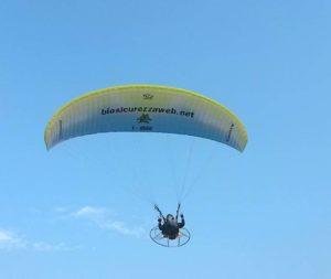 Click&Fly: in paramotore l'igiene di allevamento spicca il volo.